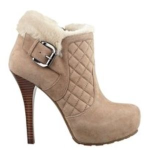 NEW GUESS Omelda Quilted Faux-Fur Booties SZ 10